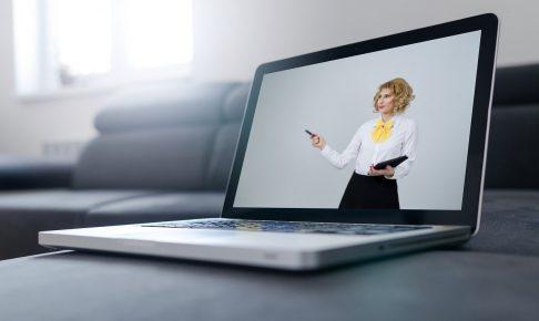 企業が研修や教育目的として動画マニュアルを活用する方法とは