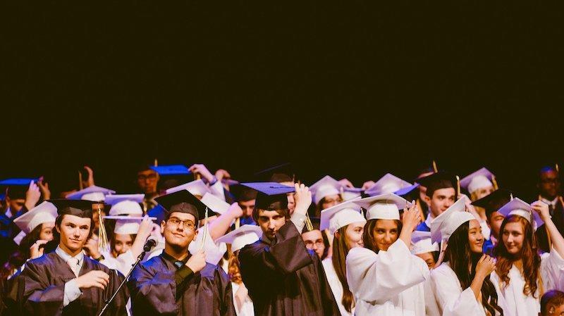 卒業生の進路について